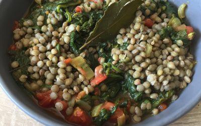 Curry de lentilles aux épinards et tomates